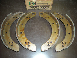 Austin Brake Shoes Vera # 35-00477 (new/reman., fits Marina 1.8 rear) - $20.00