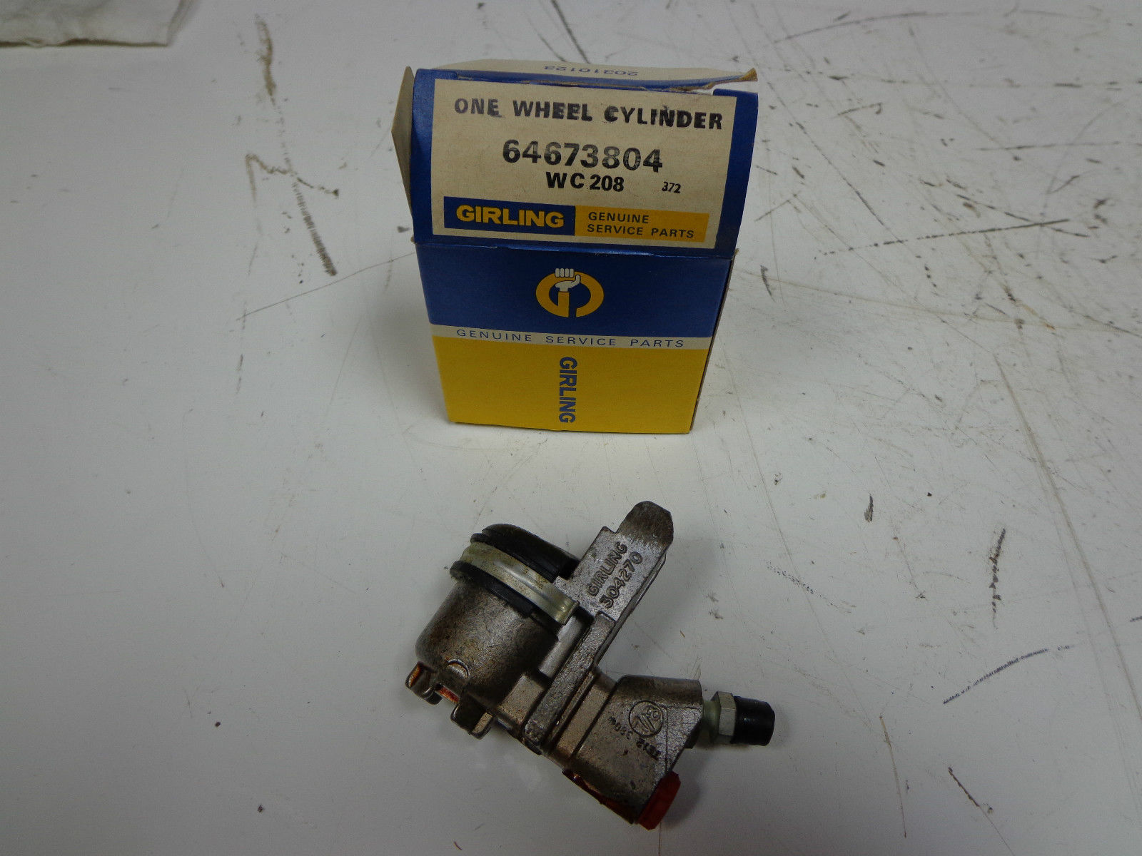 Primary image for Girling Rear Wheel Cylinder, 64673804, new, MG, Morgan, Sunbeam, NOS