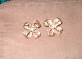 Vintage 1950's Matte Gold Clip Earrings signed CORO - $23.27