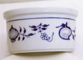 Set Of 2 Vintage Kahla GDR Small Custard Or Dessert Bowls - White And Blue - $2.95