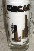 VTG Chicago IL  Souvenir Glass Tumbler -Landmarks-Black & Gold - $10.00