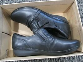 BNIB Clarks Everlay Coda Slip on Casual Shoes, women, black, size 6W - $58.41