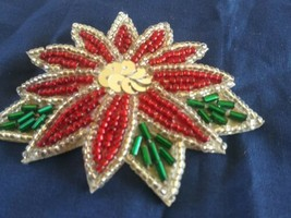 Vintage Glass Beads & Sequins Christmas Poinsettia Flower Brooch Pin - €5,39 EUR