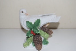 Lenox Christmas Dove 2004 Fine Porcelain White Bird Pinecones Holly - $34.95