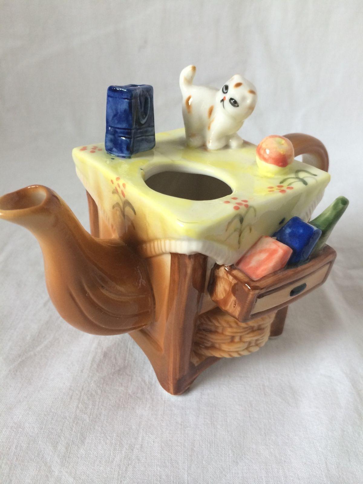 ALBERT PRICE Collectible Decor Living Room Trinket Kitten Cat Porcelain TEAPOT - $14.84