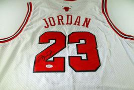 MICAHEL JORDAN / NBA HALL OF FAME / AUTOGRAPHED CHICAGO BULLS PRO STYLE JERSEY image 1