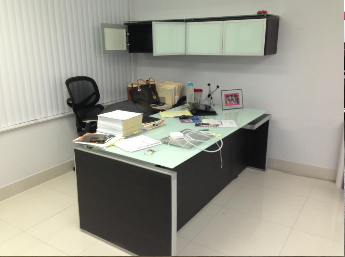 Chiarezza Executive L Desk Split Level White Frost Glass Top 7875gt