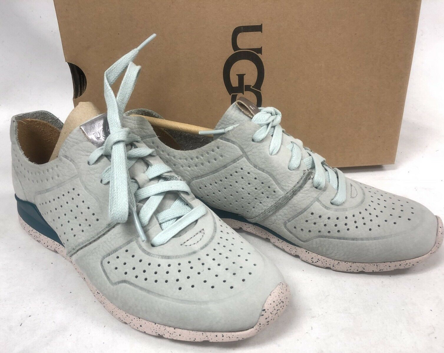 UGG Australia Tye Lace Up Leather Perforated Fashion Sneakers 1019057 Iceberg