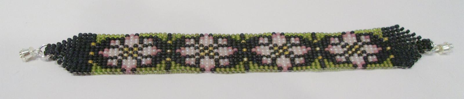 handmade Christmas pink poinsettia pattern beaded bracelet