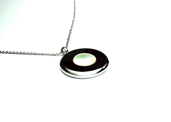 QP57 Tohoku Classic Quantum Energy Pendant Mother of Pearl - Plain