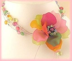Ne colorful plastic flowers crop thumb200