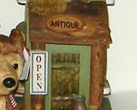 Large Antique Shop Rustic Wood Birdhouse on Base with Wolf Bear and Sounds 11