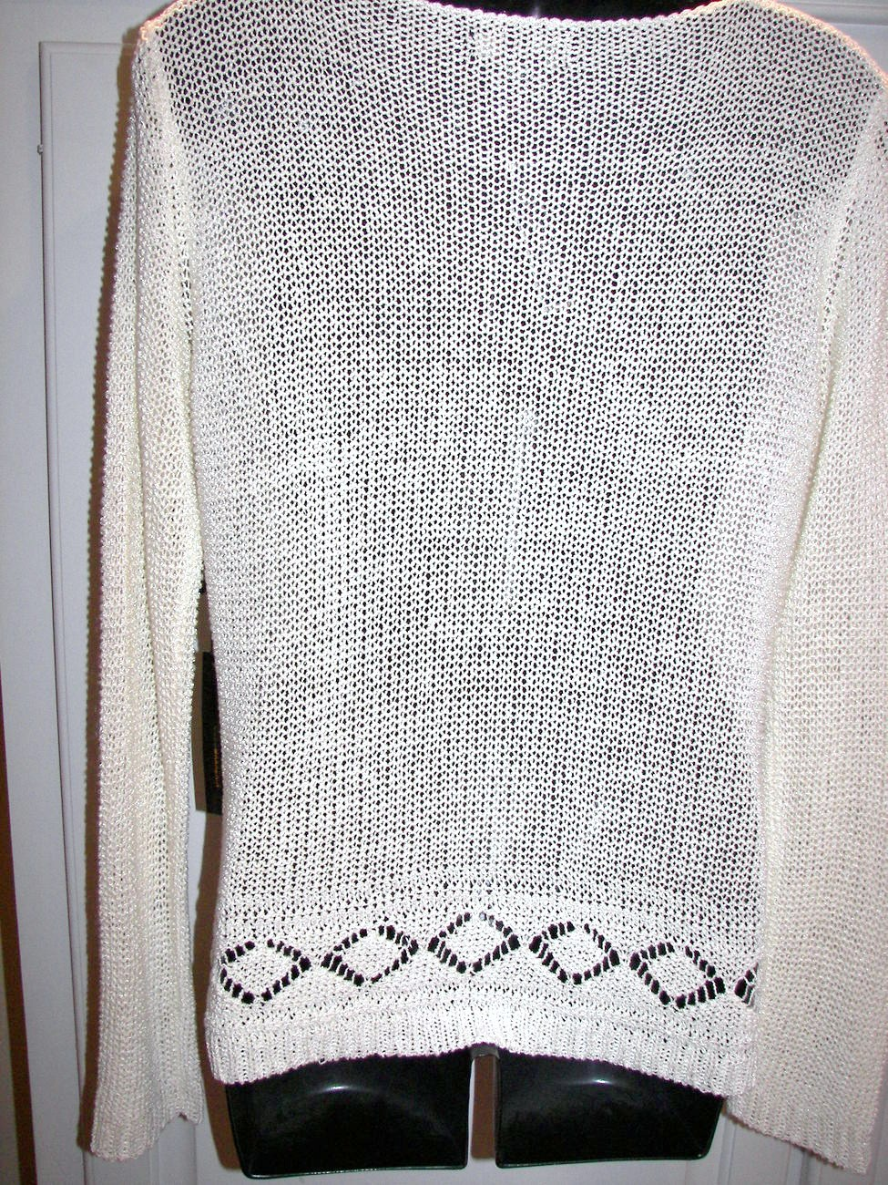 BCBG Ecru Knit Jersey Sweater Top Size Large Long Sleeve