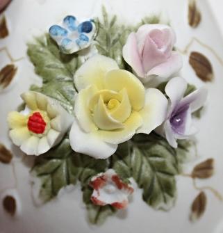 Vintage Lefton China Porcelain Bisque Cracked Egg Vase