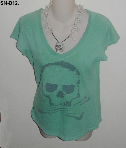 Halloween Green Tee with Skull and Necklace SZ Medium
