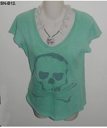 Halloween Green Tee with Skull and Necklace SZ Medium - $9.99