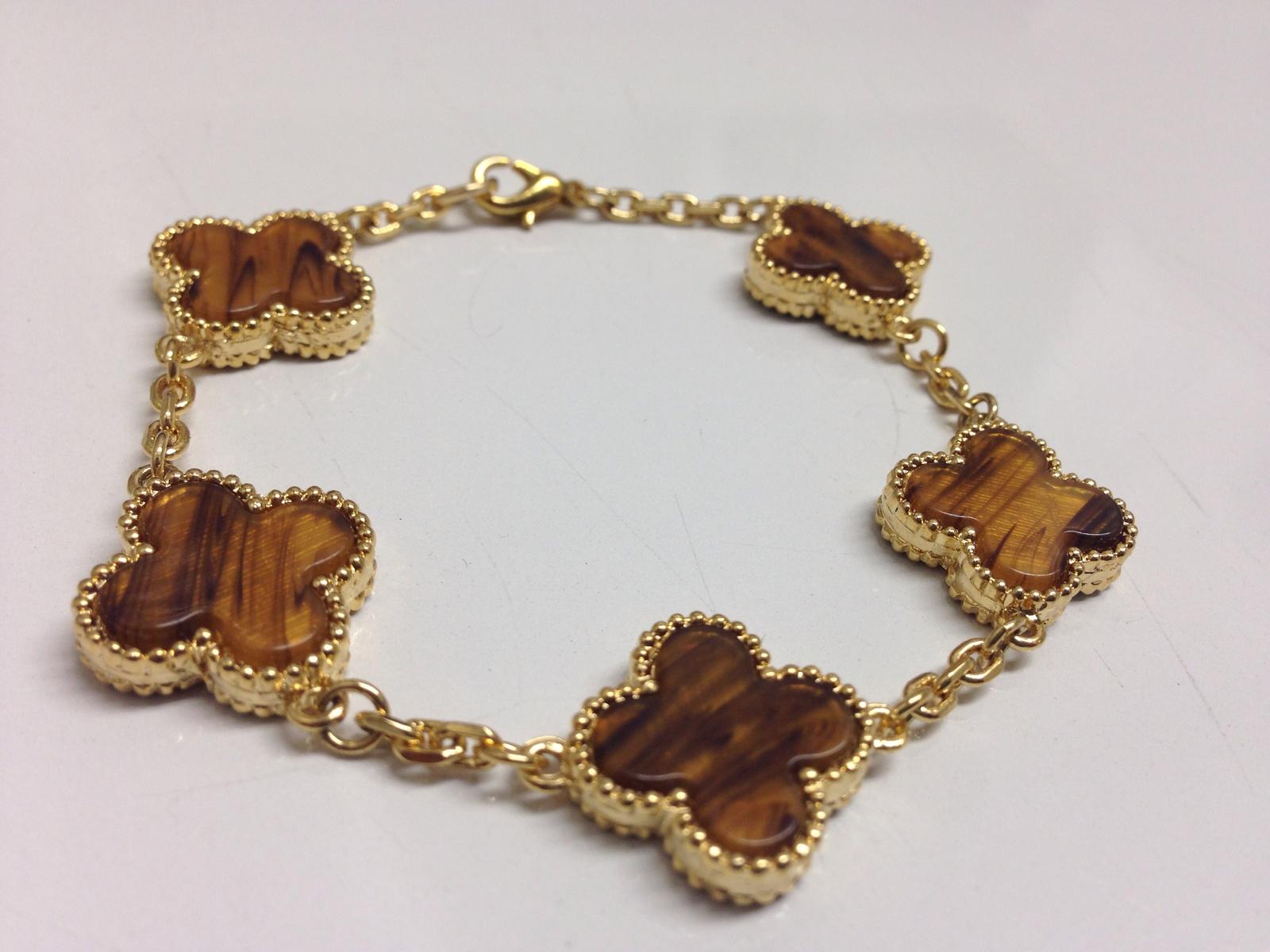 Tiger eye bracelet.