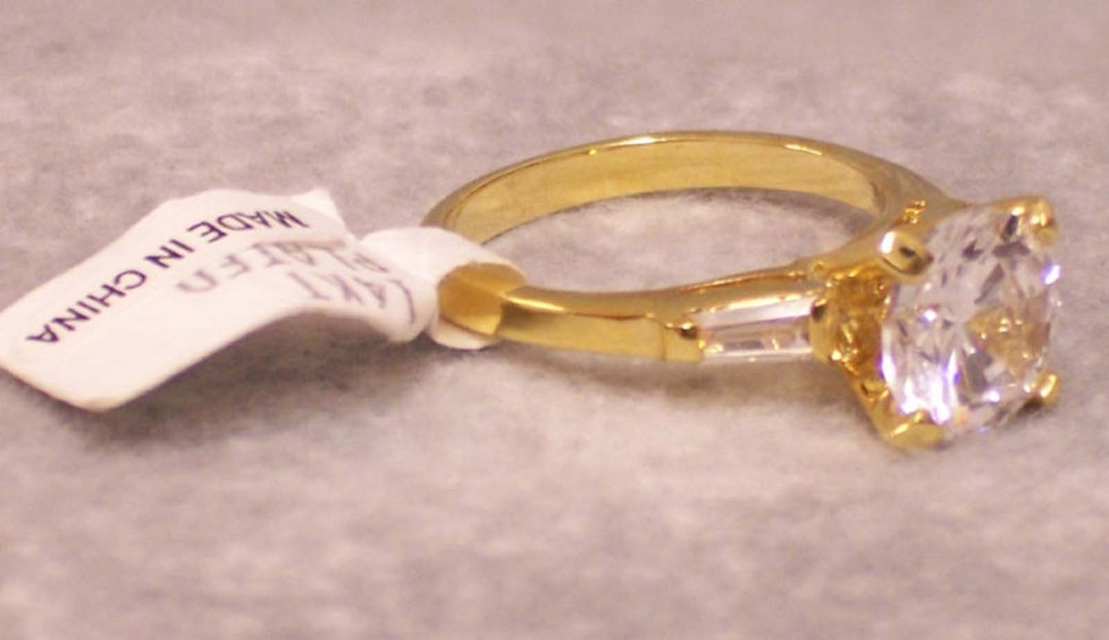 Solitaire Ring Cubic Zirconia 14 KT Goldplated Jewelry Size 6 NOS