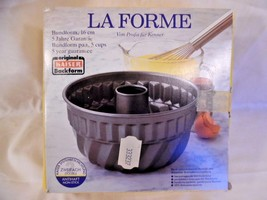 Kaiser Bundform 16 cm La Forme Plus, Cake Pan, Non-stick Coating 630144 - $30.81