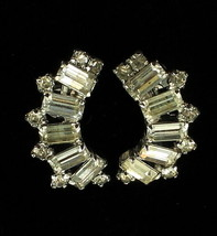 VINTAGE Designer RHINESTONE BAQUETTES SCOOP DESIGN SCREW BACK EARRINGS S... - $32.39