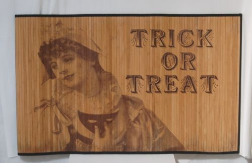 Vintage Victorian Look Bamboo Trick Treat Mat 2 by 3 Feet