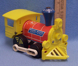 Vintage Fisher Price Pull Train Toy 1964 Toot Toot Wood & Plastic  - $10.84