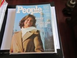 Mary Tyler Moore , People Magazine , 2/9/76 , Suzy Chaffee , Humphrey - $20.00