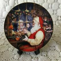 Avon Santa's Loving Touch Porcelain Collectors Plate 1996 22 K Gold  - $11.63