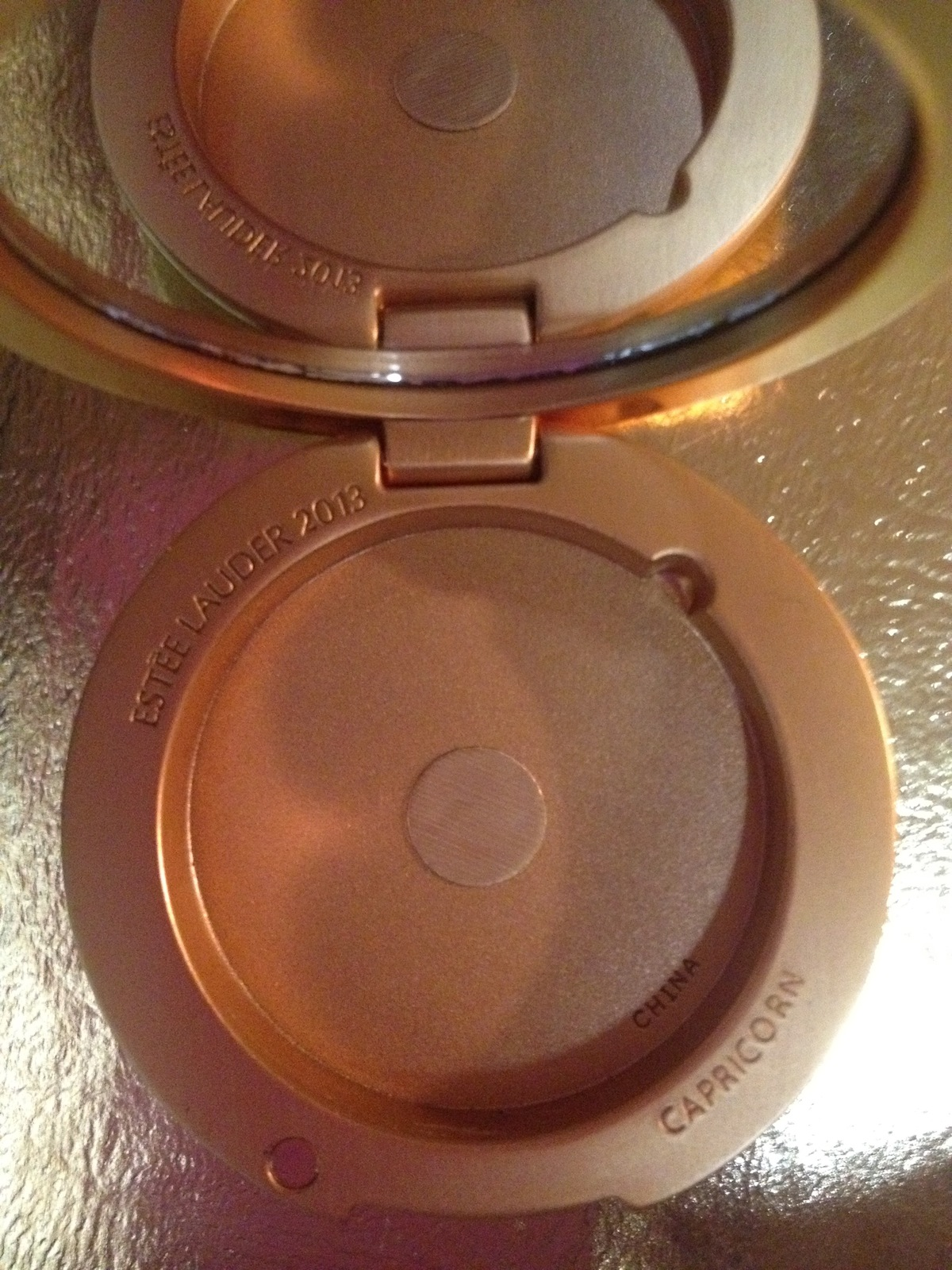 Estee Lauder GOLDEN CAPRICORN Lucidity Powder Compact 2013 - Crystal accented