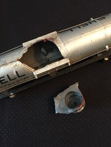 American Flyer Railroad Car #625 - Shell silver dome tank car (for parts) image 4