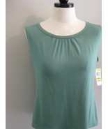 JM Collection Sleeveless Knit Tank Top Size M - $17.00