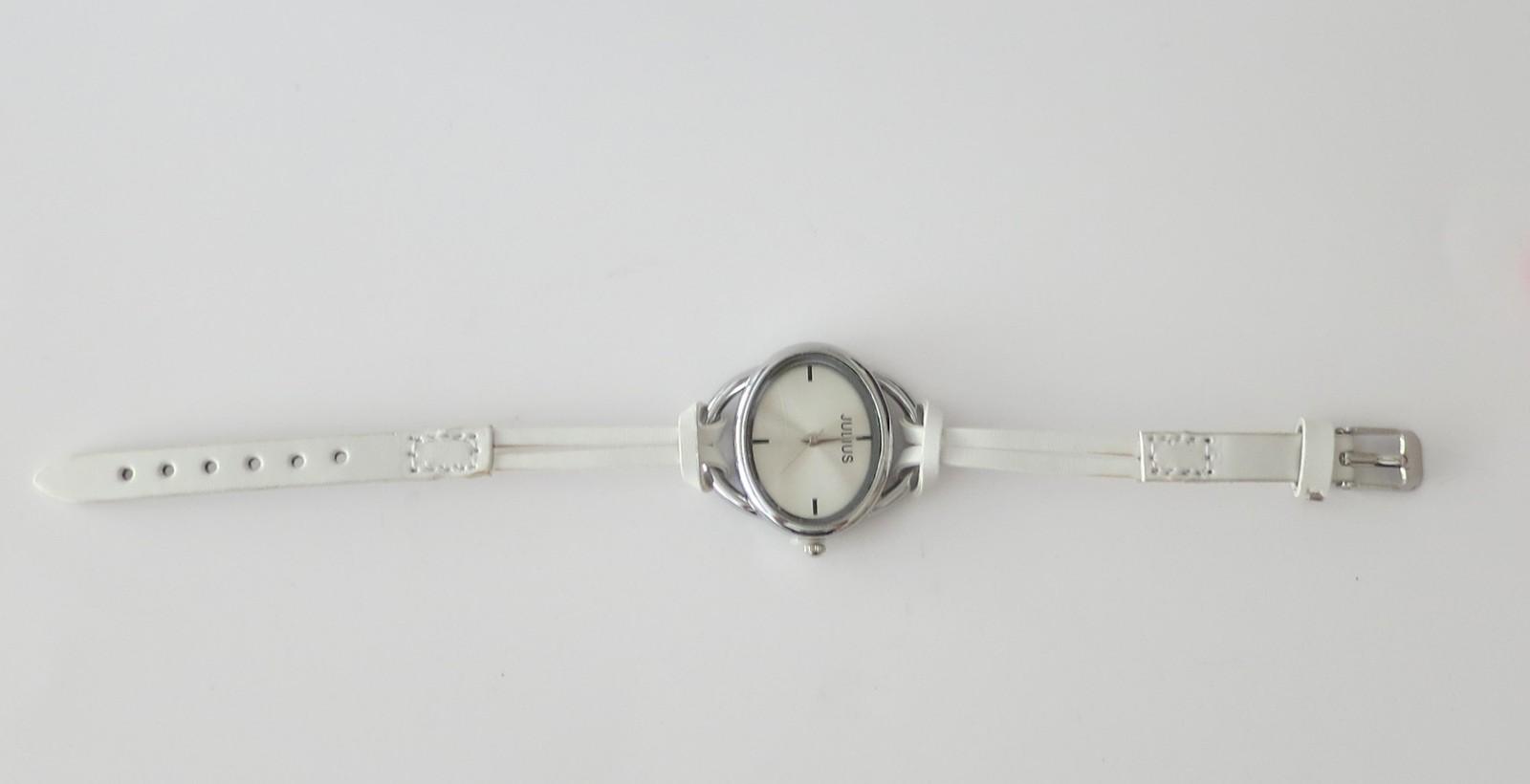 Fashion watch for women, women's watch with two straps, versatile trendy watch