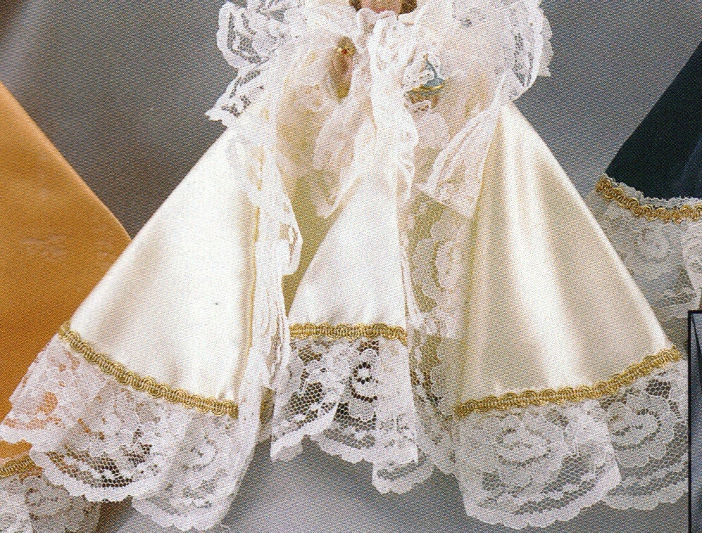 Infant Jesus of Prague 9 inch Statue with White Gowned