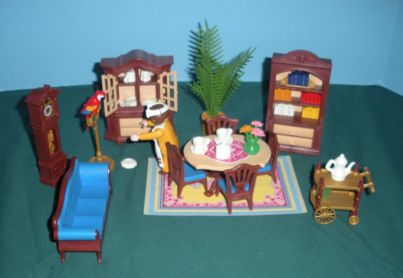 Vtg playmobil 5316 victorian dining room complete w box for Playmobil dining room 5335