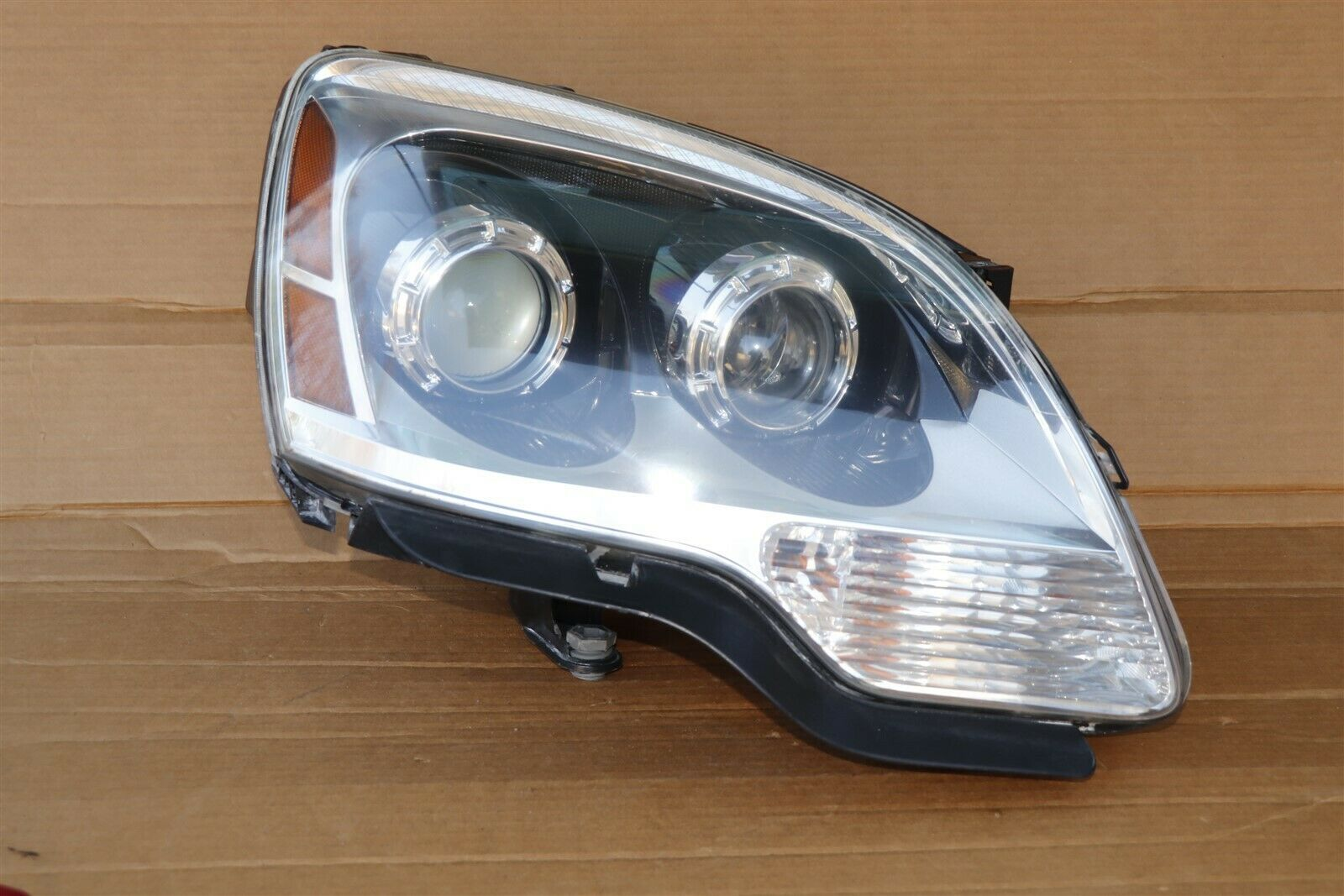 07-12 GMC Acadia Hid Xenon Headlight Lamp Passenger Right RH - POLISHED