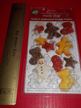 Wilton Holiday Food Craft Tool Gingerbread Men Candy Mold Christmas Activity Set - $9.49
