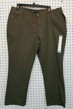 New Ladies LEE 1889 MidRise Fit Forest Crop Cargo Pants Sz 16M - $11.88
