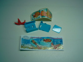 Kinder - 2002 Flossenstarke uberraschung + paper + sticker - surprise egg - $1.50