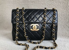 100% Authentic Chanel Vintage Black Lambskin Jumbo Classic Flap Bag GHW