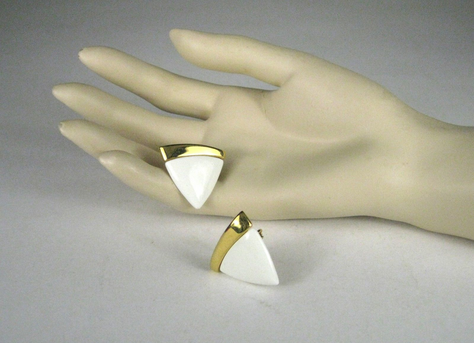 NAPIER Clip Earring Screw Back White Lucite Goldtone Signed VTG Vintage image 7