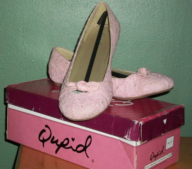 Primary image for QUPID Pink Lace Ballet Flats with a Bow NIB SZ 7 1/2