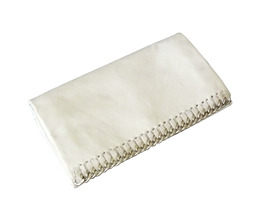 Authentic Latico Billie White Leather Chain Link Clutch Wallet - $191,23 MXN