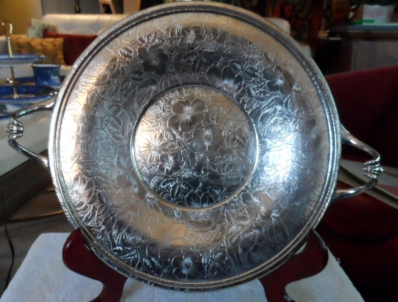 ANTIQUE Silver Plate round serving tray TAPESTRY design handled W.B. MFG Co & ANTIQUE Silver Plate round serving tray and 50 similar items