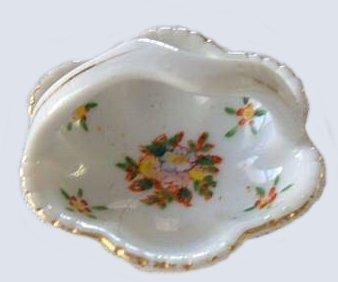 Porcelain basket japan