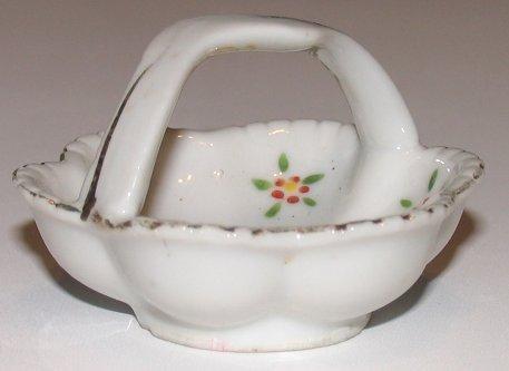 Vintage Ceramic Bowl Basket Occupied Japan ca. 1945-52 Petite Trinket Holder