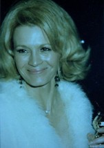 ANGIE DICKINSON Live Candid Duplicate 35mm Photo Negative ACTRESS nb - $14.65