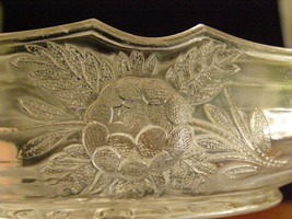 """Vintage Embossed Glass Canoe Boat Nut Dish Celery Carrots Relish Candies 8"""" - $18.50"""