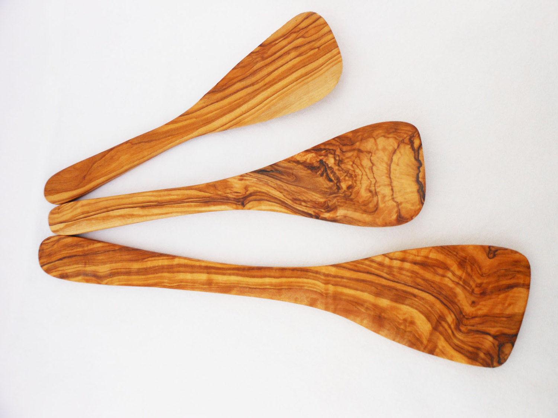 Handmade olive wood spatula set wooden spatula set for Wooden kitchen utensils