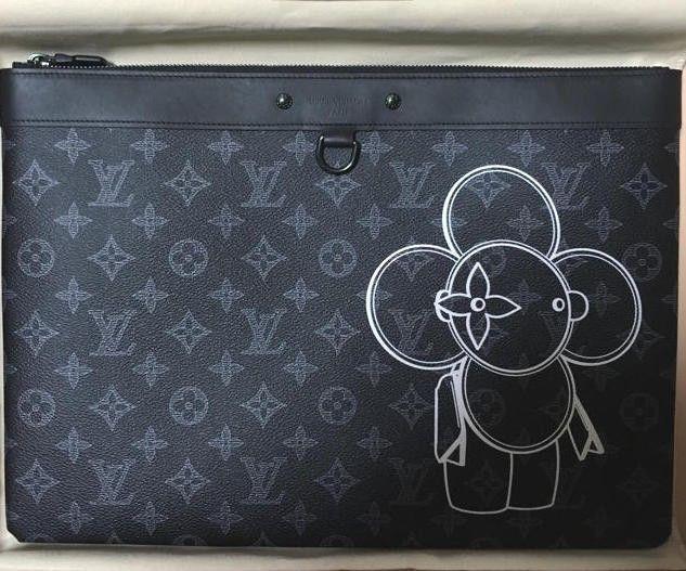 0d9f172ead3 Louis Vuitton Vivienne Clutch Bag Pochette and 25 similar items