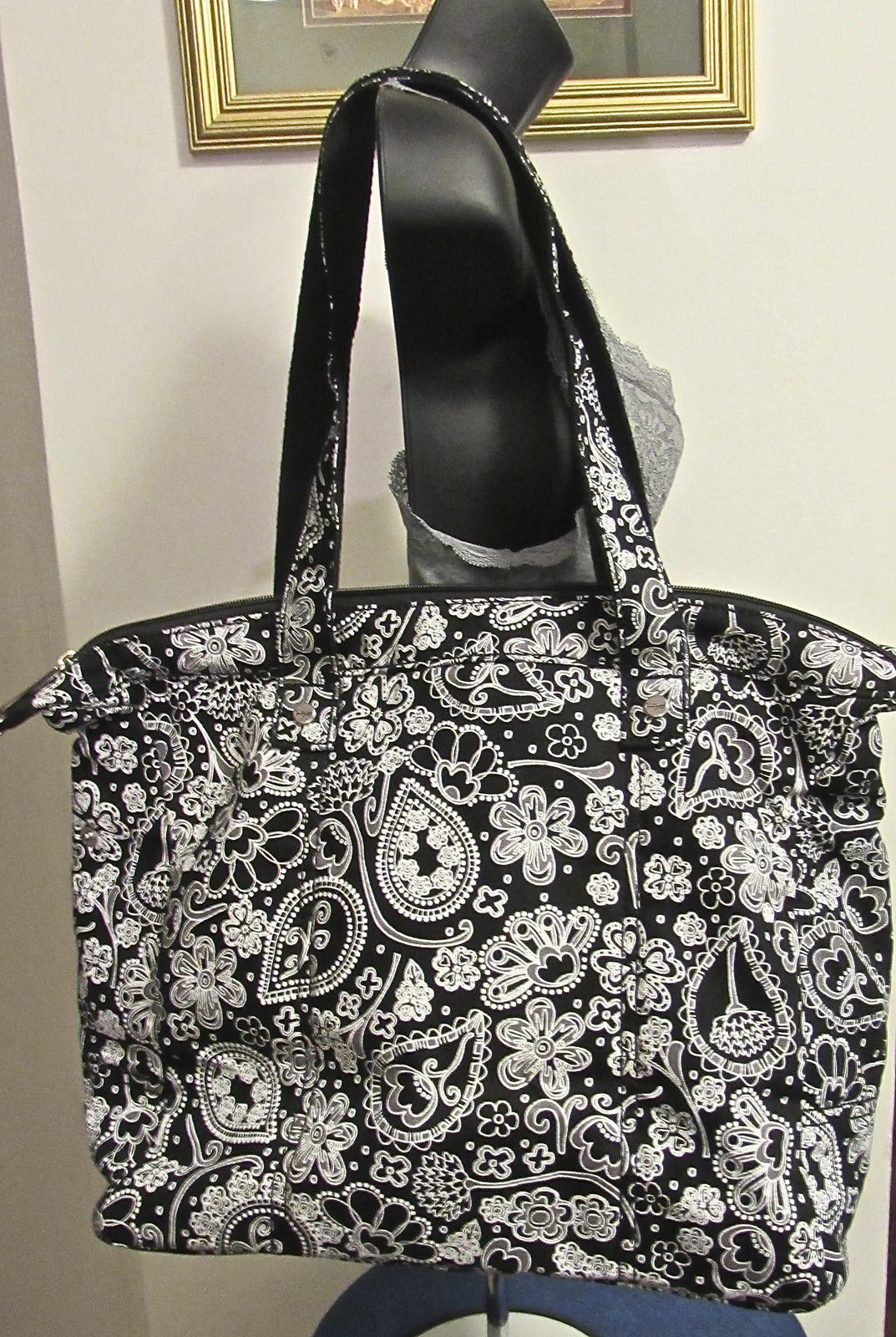 Thirty-One Retired Black Paisley Parade Designer Tote & Matching Coin Purse